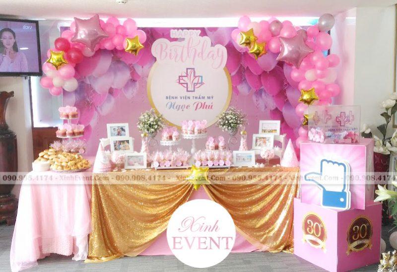 Trang trí bàn sinh nhật mừng kỷ niệm bệnh viện thẩm mỹ Ngọc Phú XV022