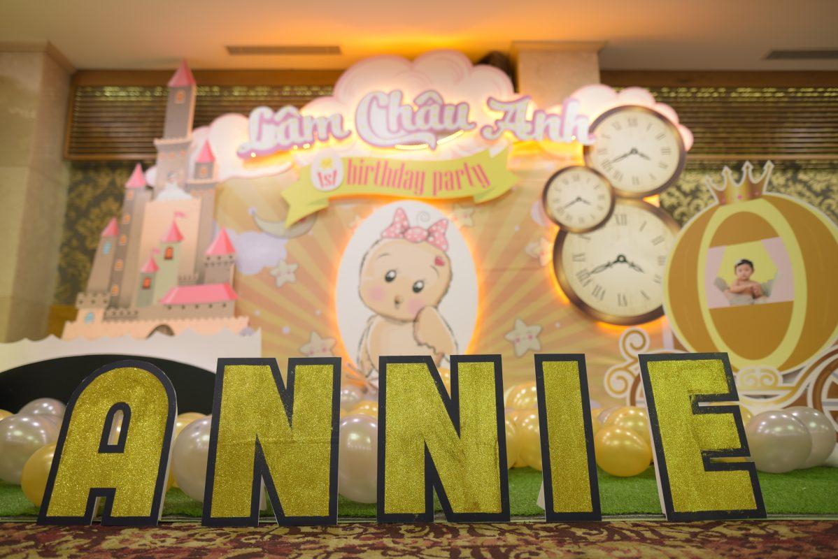Backdrop sinh nhật chủ đề ANNIE
