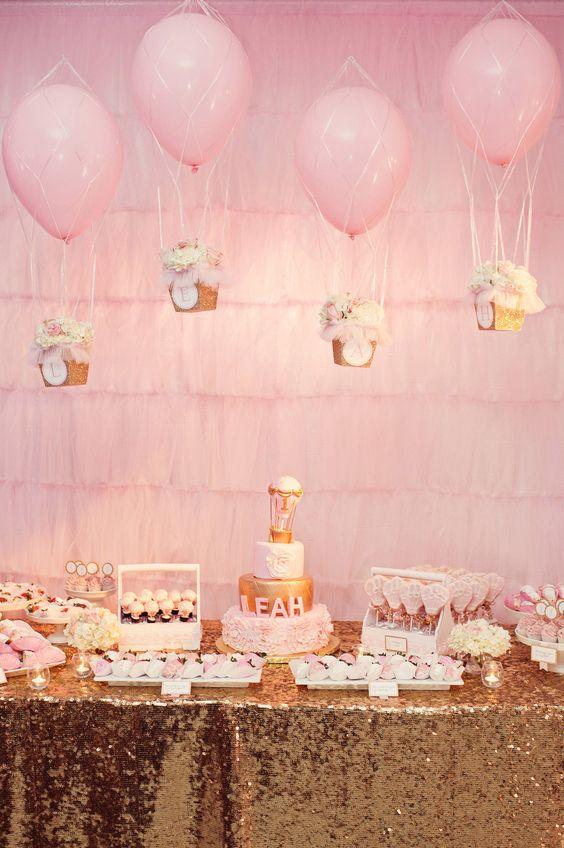 Bong bóng bay trang trí bàn sinh nhật màu hồng nhẹ nhàng