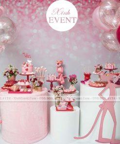 Trang trí bàn sinh nhật theo chủ đề báo hồng XV056