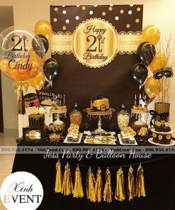 Trang trí sinh nhật cho người yêu với bàn quà xinh đẹp XV058