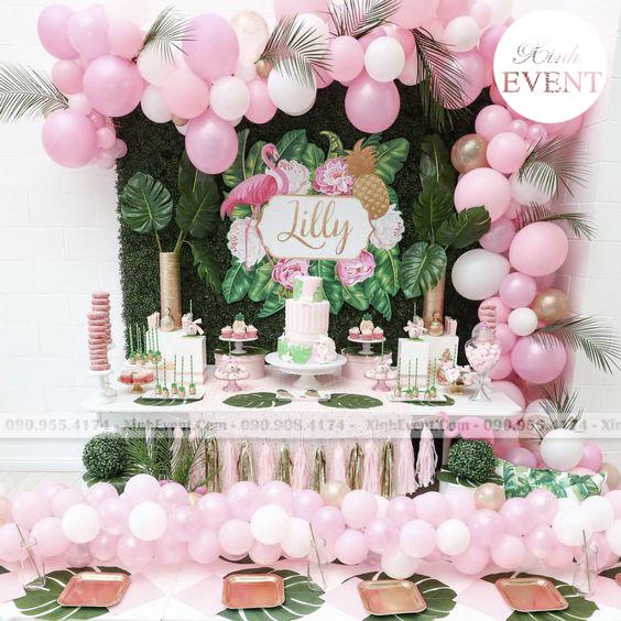 bàn trang trí sinh nhật Love Pink