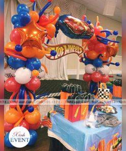 Bàn quà sinh nhật Hotwheel XV109