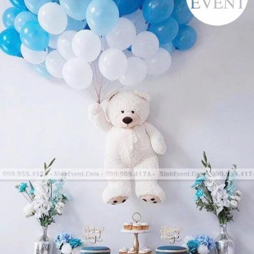 Bóng bay sinh nhật kết hợp trang trí cùng bàn quà gấu teddy XV102