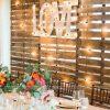 Backdrop cưới gỗ đi đèn led XV088