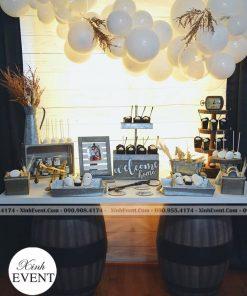 Trang trí sinh nhật với bộ bàn quà màu trắng XV098