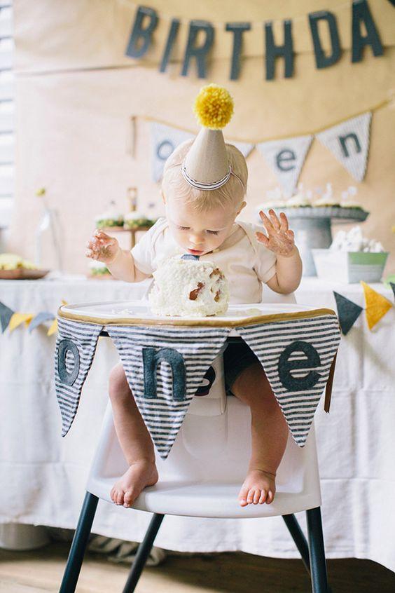 Trang trí tiệc sinh nhật cho bé bằng cách sử dụng vải
