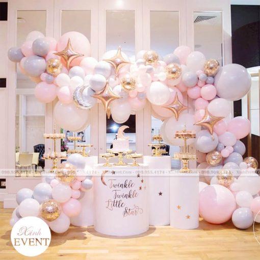 Bàn sinh nhật màu hồng trắng cực xinh cho những đôi yêu nhau XV220