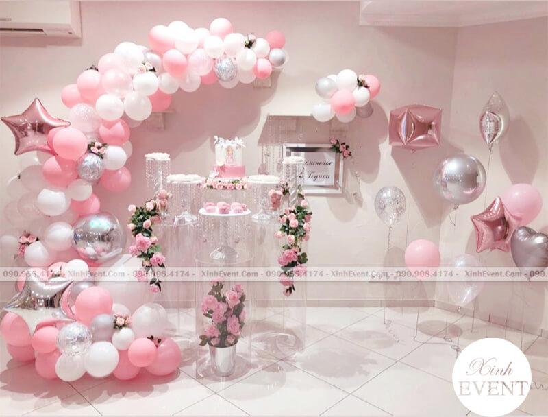 Lên danh sách cần chuẩn bị cho buổi tiệc sinh nhật cho các bé