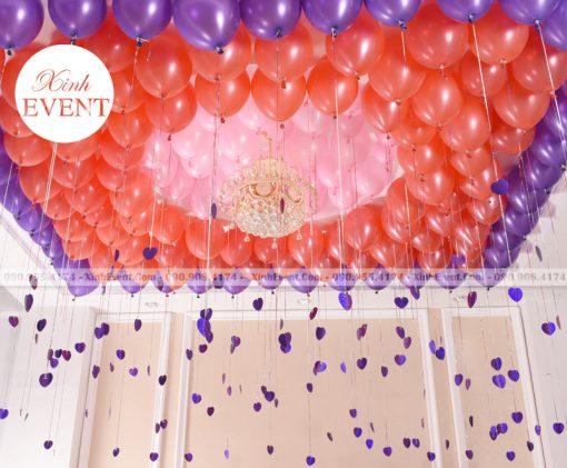 Trang trí trần nhà với bóng bay sinh nhật màu đỏ kết hợp tím XV154