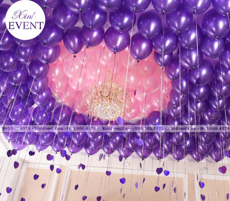 Trần nhà với Trang trí bóng bay sinh nhật màu hồng và tím XV156