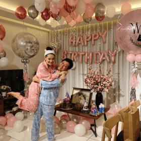 Tổ chức sinh nhật cho chồng tại nhà Trường Giang, Nhã Phương vô tình để lộ tên con gái