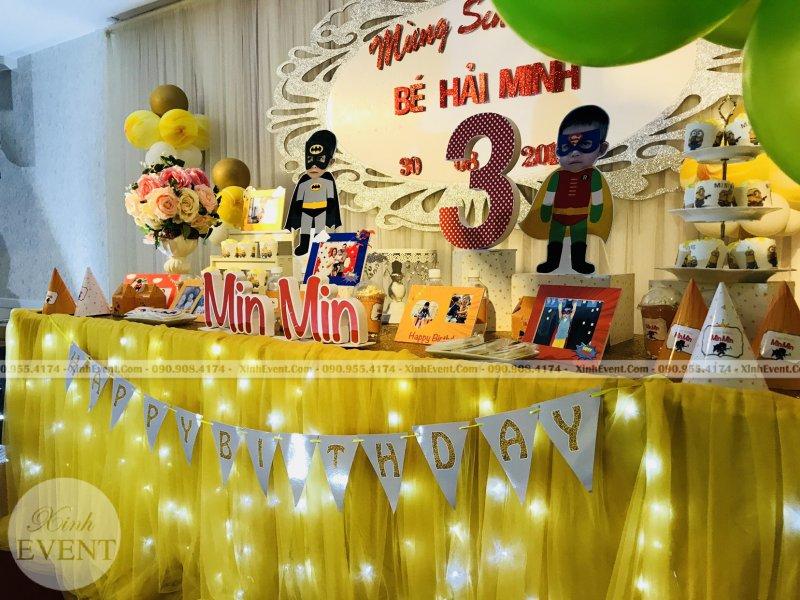Bàn quà trang trí sinh nhật trọn gói bé Min Min XV254