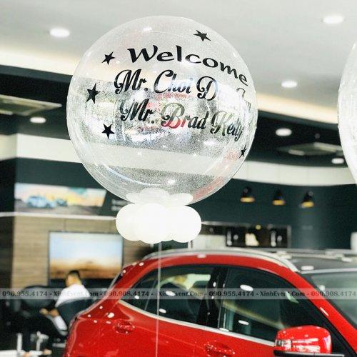 Bóng jumbo trang trí tại cừa hàng xe hơi Mercedes