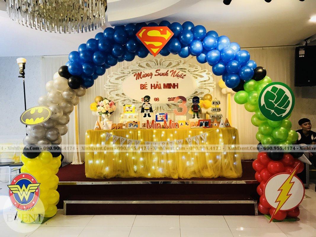 Cổng chào bong bóng trang trí sinh nhật trọn gói bé Min Min XV254