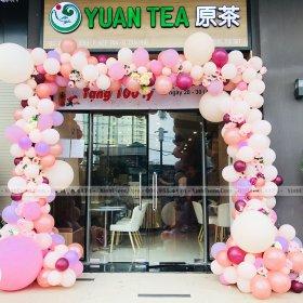 Trang trí cổng chào khai trương tại cửa hàng YUAN TEA