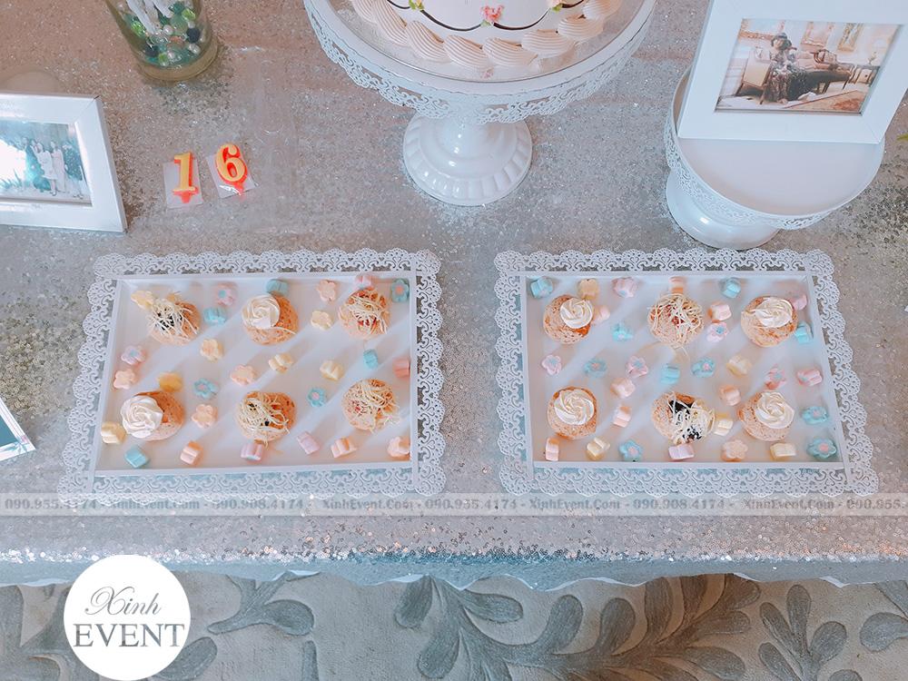 Bánh cupcake tại bữa tiệc sinh nhật