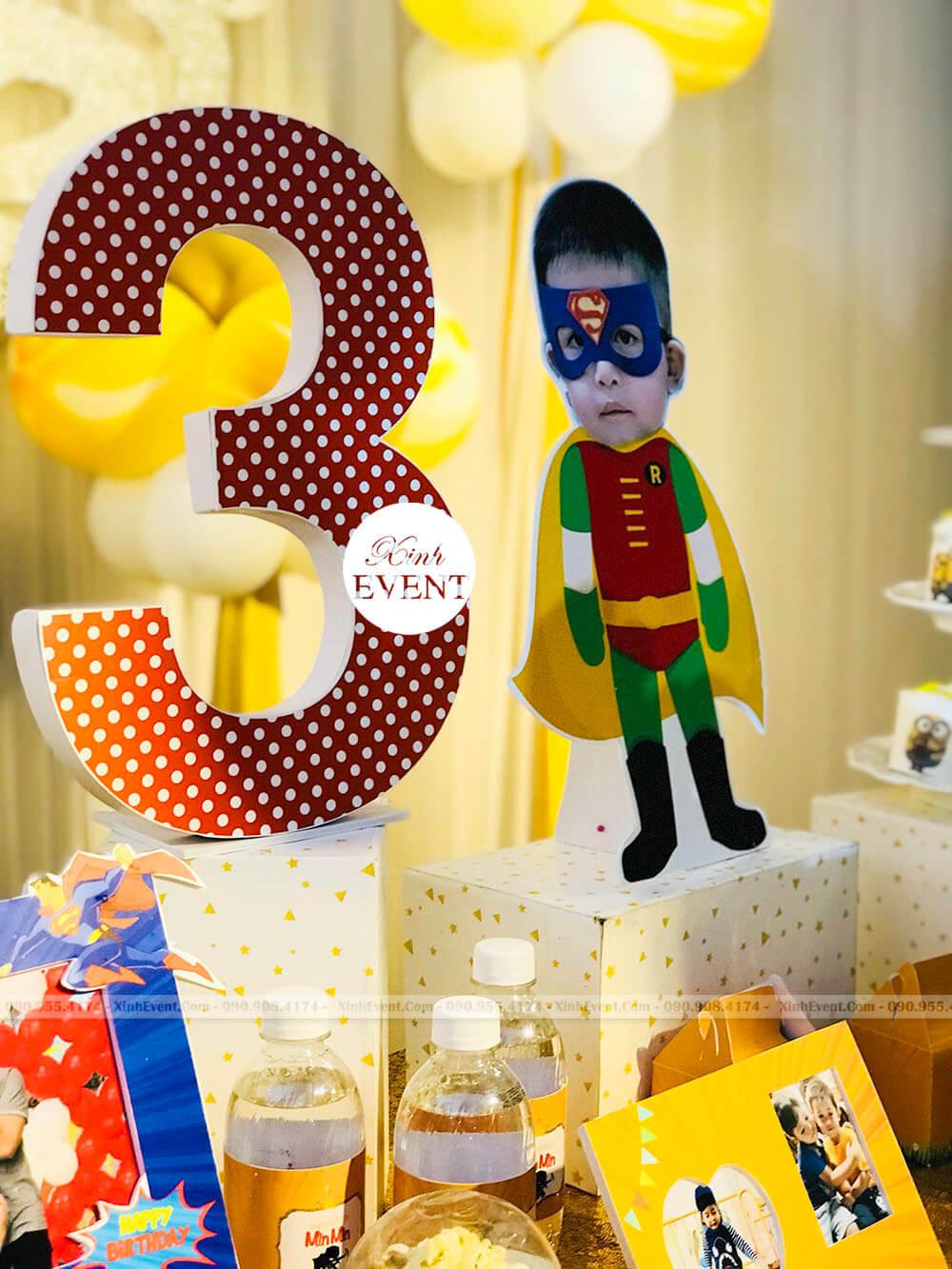 Các phụ kiện trang trí sinh nhật bé Hải Minh