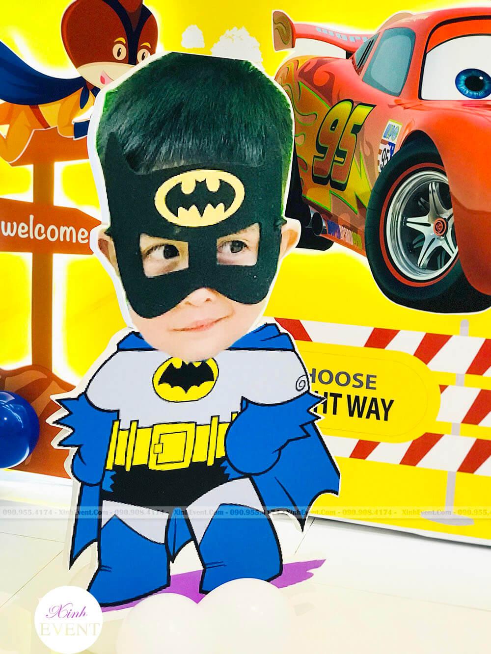Mẫu khối trang trí sinh nhật 3D Batman của khách hàng Xinh Event