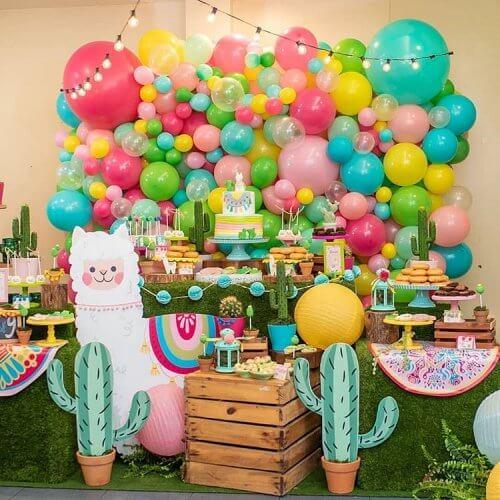Trang trí bàn quà sinh nhật cho bé chủ để sa mạc XV262