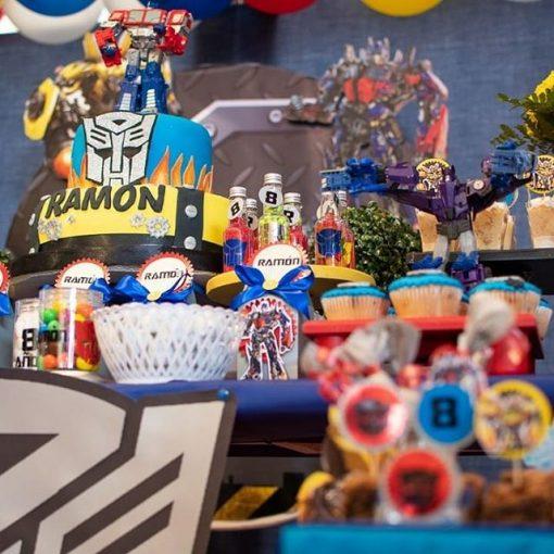 XV279 trang trí những bộ đồ chơi trên đó rất sinh động