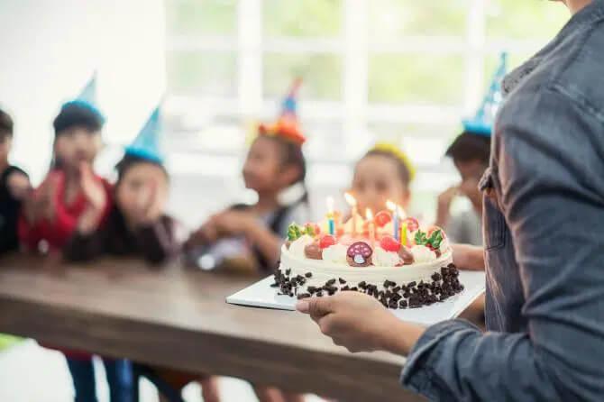 8+ lời dẫn chương trình sinh nhật hay và hấp dẫn dành cho cha mẹ và công ty