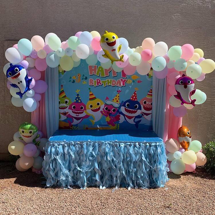 Bàn quà sinh nhật baby shark XV311