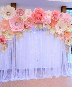 Backdrop tiệc cưới trang trí vải voan cùng hoa giấy XV339