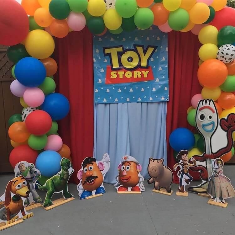 Backdrop sih nhật chủ đề Toy Story với thiết kế khổng lồ và vô cùng dễ thương XV297