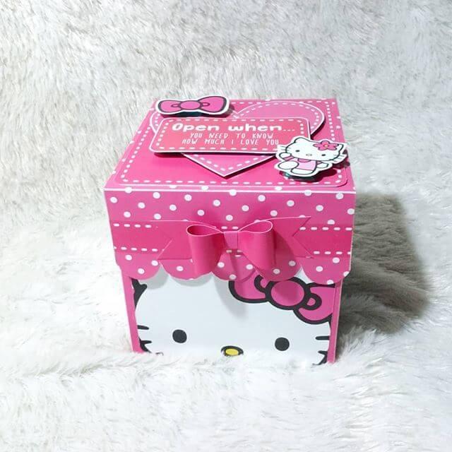 Hộp quà surprise chủ đề mèo Kitty XV315 nhìn chính diện
