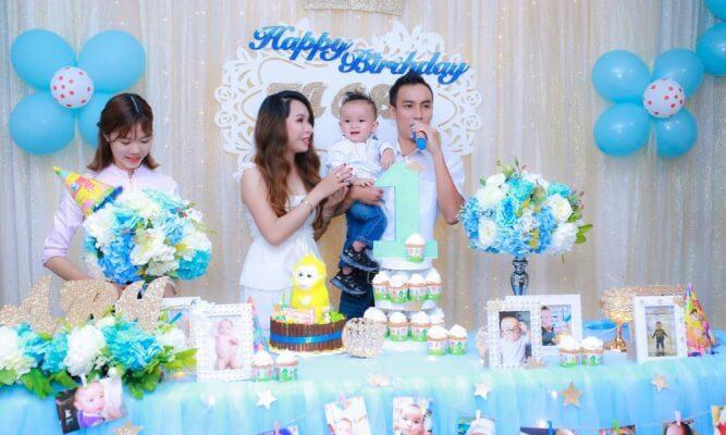 Mời gia đình của bé phát biểu trong tiệc sinh nhật