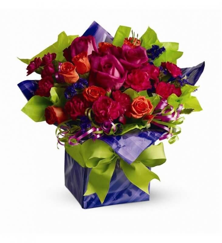 Tặng hoa trong sinh nhật của người yêu