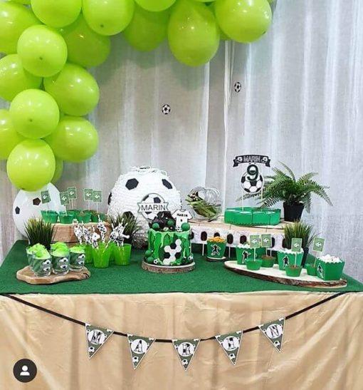 Bàn quà sinh nhật sân cỏ XV322