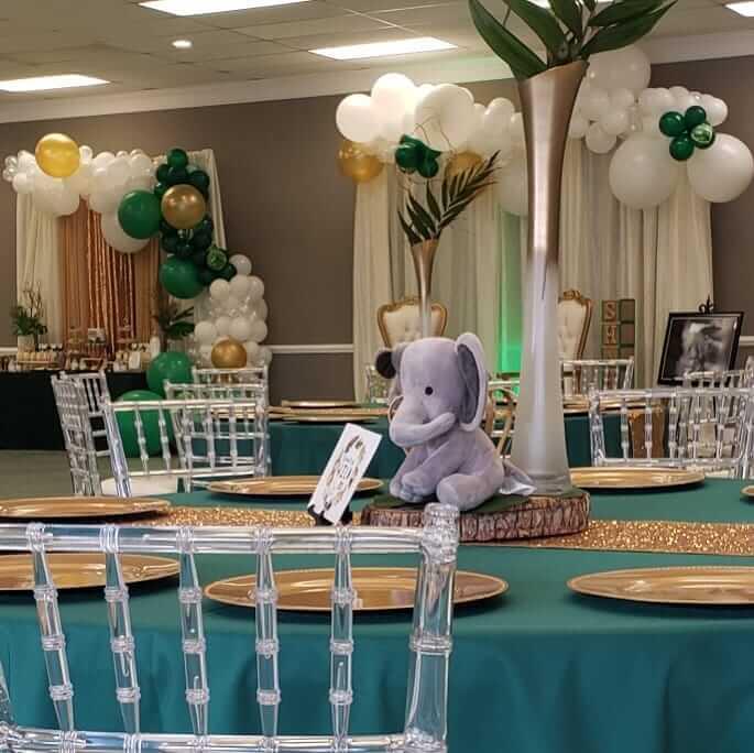 phòng tiệc trang trí bàn quà sinh nhật người lớn XV309