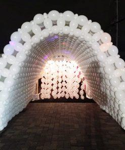 cổng chào sinh nhật kim đường dẫn bong bóng màu trắng XV374