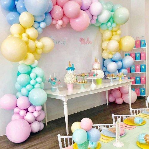 Bàn quà sinh nhật đơn giản cho bé gái XV375
