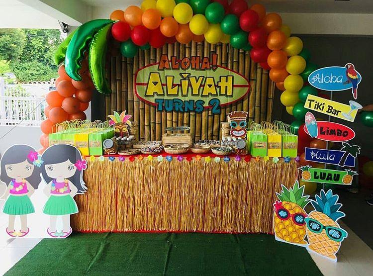 Trang trí sinh nhật bé gái bàn quà Hawai XV406