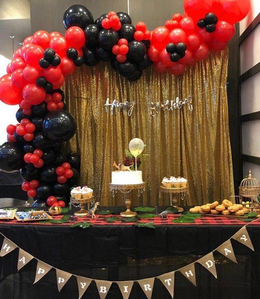 Bàn quà sinh nhật vàng đồng, đỏ và đen XV525