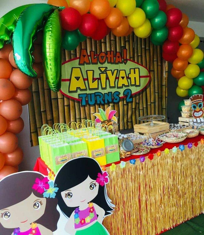 Bộ sản phẩm trang trí bàn sinh nhật bé gái chủ đề Hawai góc nhìn 1