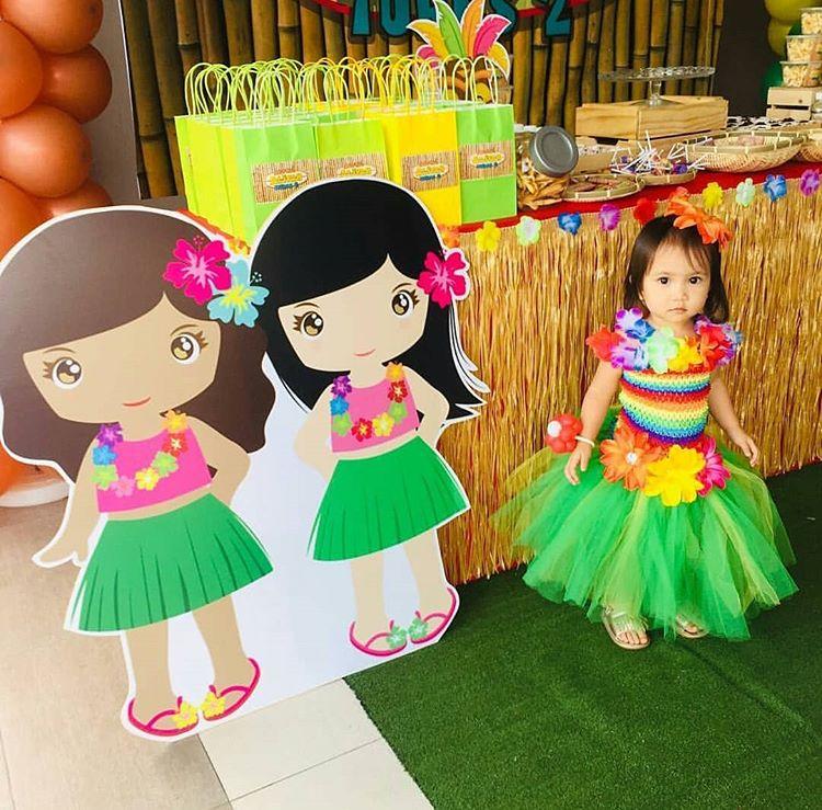 Bộ sản phẩm trang trí bàn sinh nhật bé gái chủ đề Hawai góc nhìn 3