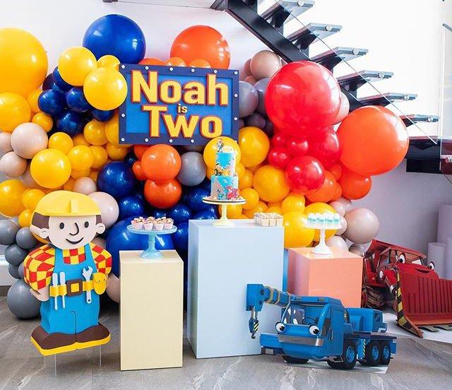 Bàn quà sinh nhật bé trai chủ đề kiến trúc sư XV434