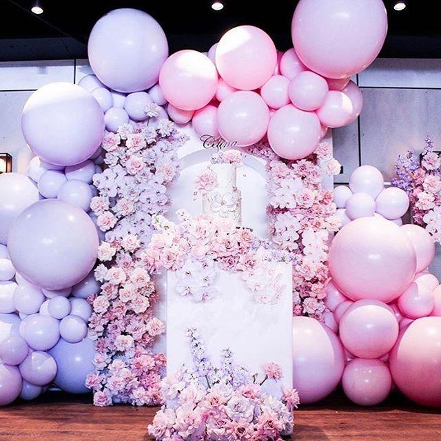Tiểu cảnh bong bóng trang trí sinh nhật cùng hoa XV501