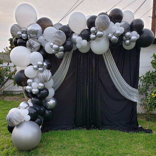 Backdrop sự kiện đen, trắng, bạc góc nhìn khác XV538