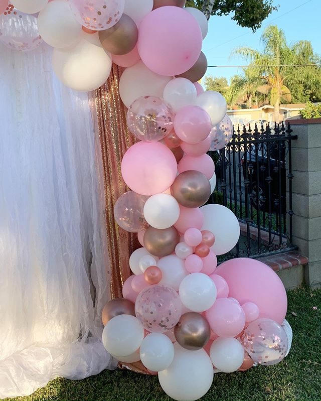 Góc phải backdrop sinh nhật màu hồng XV174
