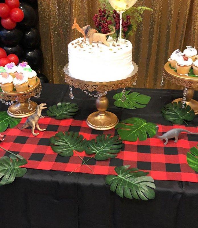 Phụ kiện bàn quà sinh nhật vàng đồng, đỏ và đen XV525