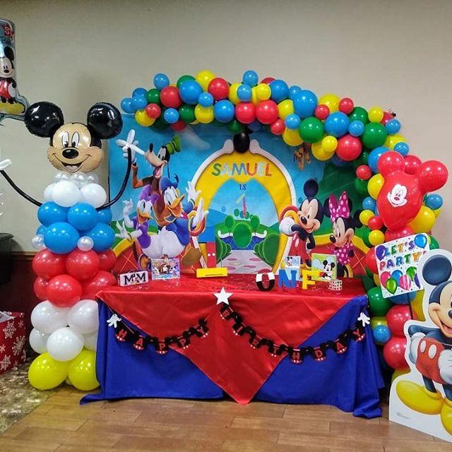 Bàn quà sinh nhật chuột Mickey và những người bạn XV412