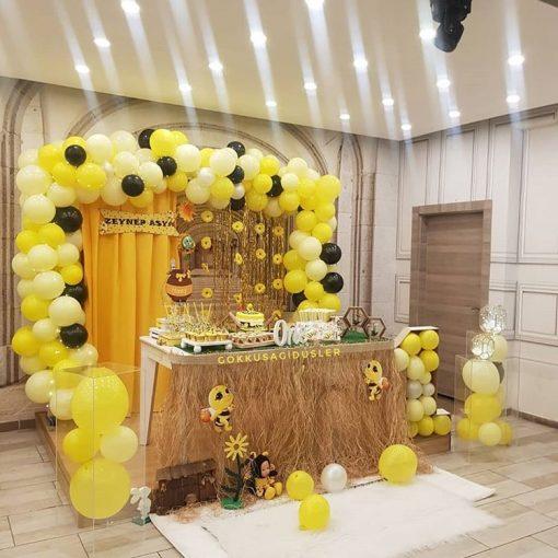 Trang trí bàn quà sinh nhật chị ông nâu XV426