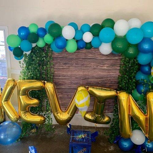 Bàn quà sinh nhật Kevin XV432