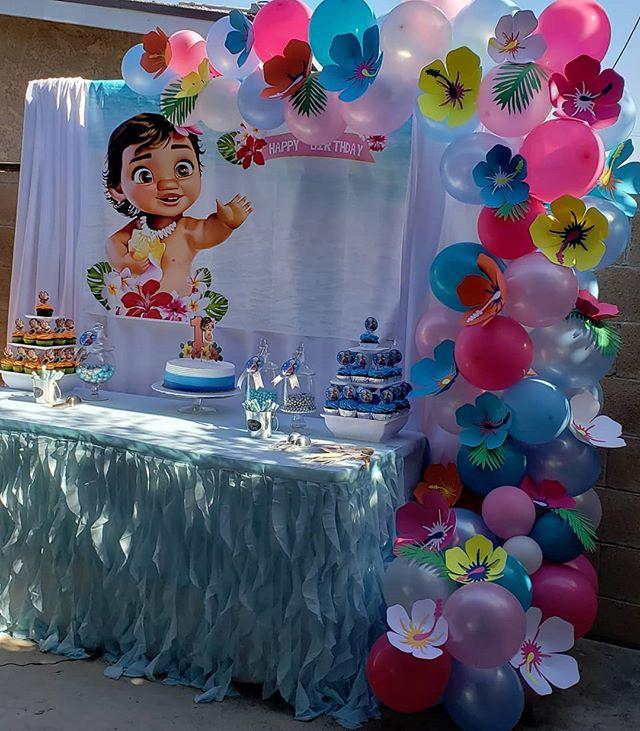 Trang trí bàn quà sinh nhật ngoài trời Baby Moana XV458 góc nhìn 1