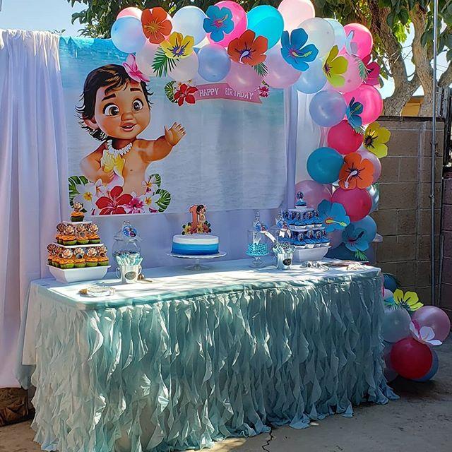 Trang trí bàn quà sinh nhật ngoài trời Baby Moana XV458 góc nhìn 2